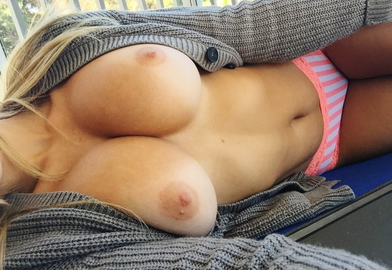 Busty Noelia Arias Shows Her Nude Boobs
