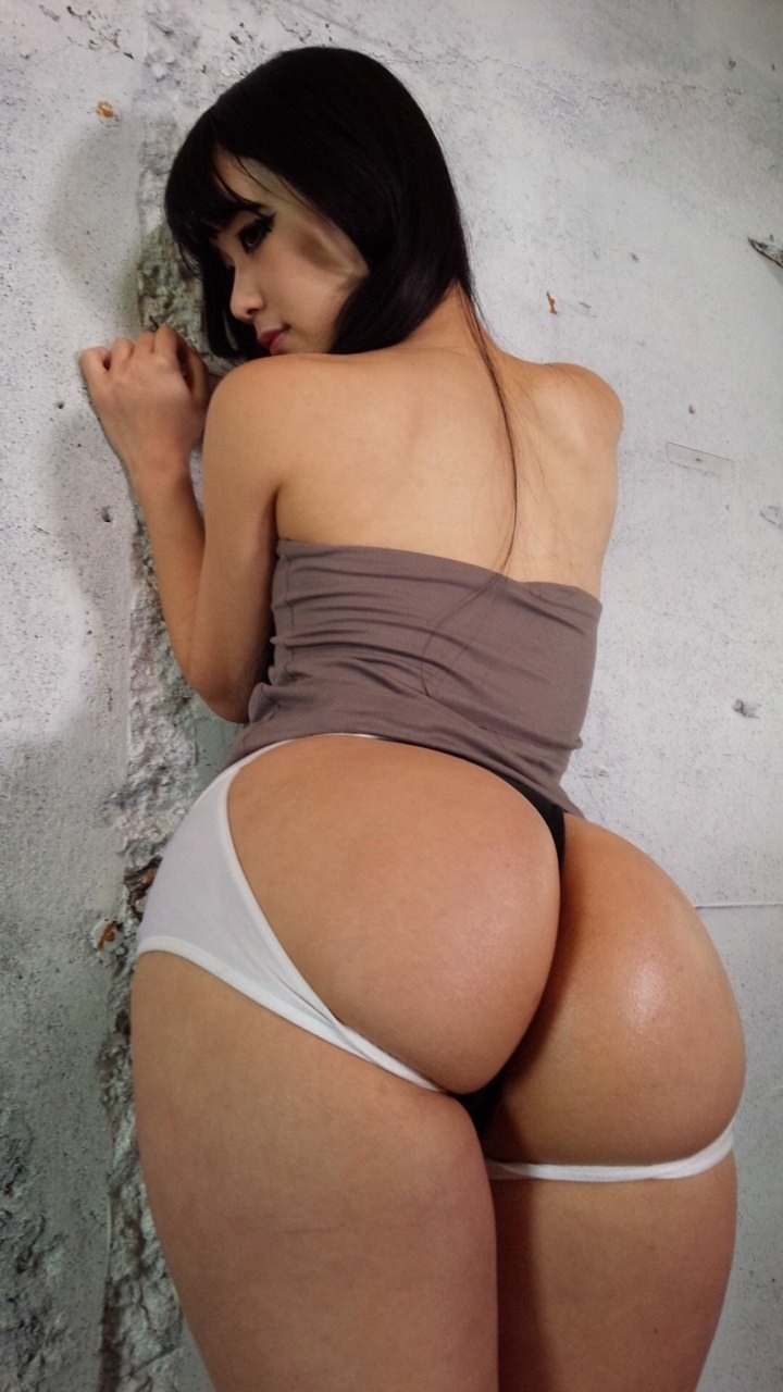 Women with nice round ass nude