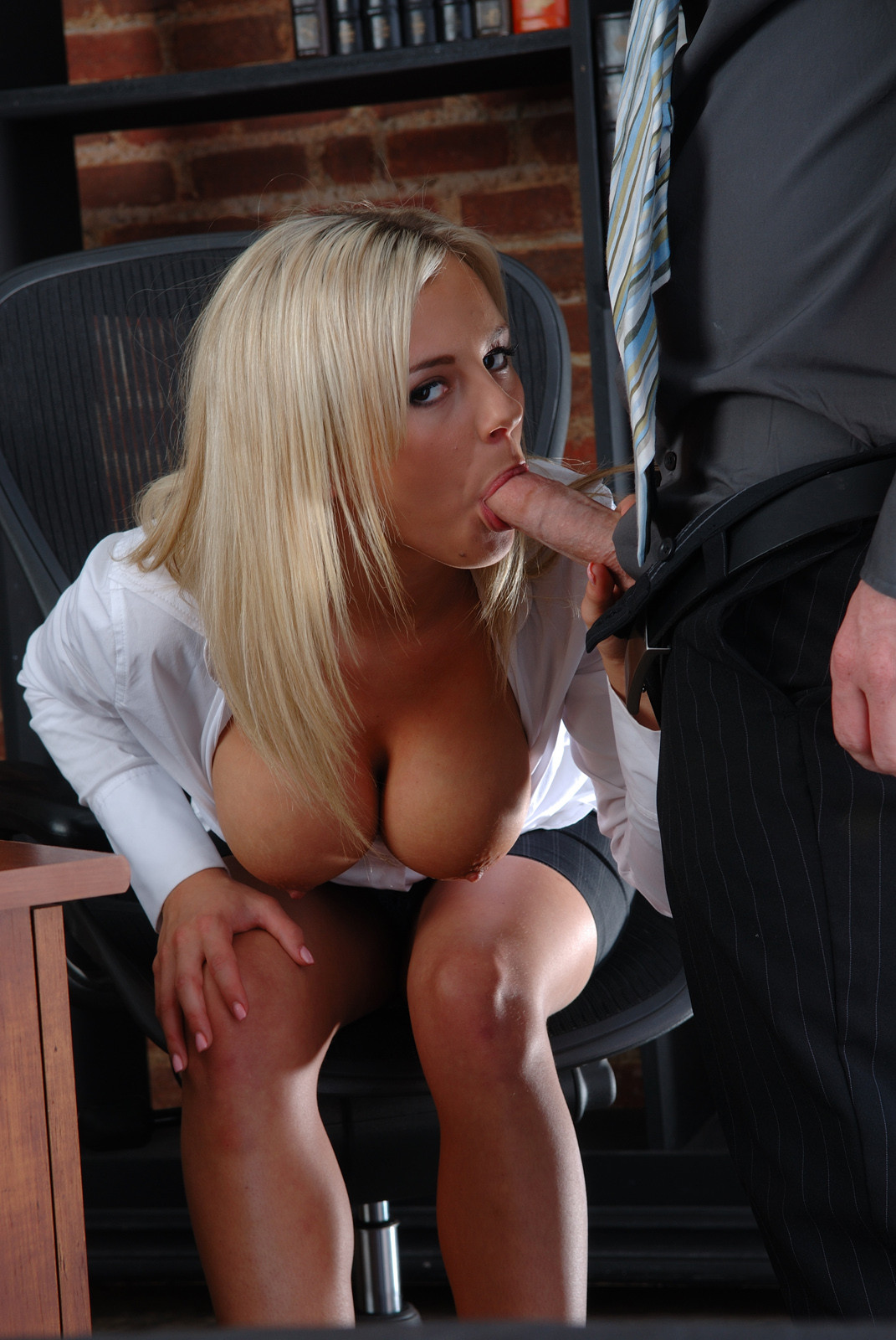 Girl In Skirts Masturbate In Dad's Office While He's Away