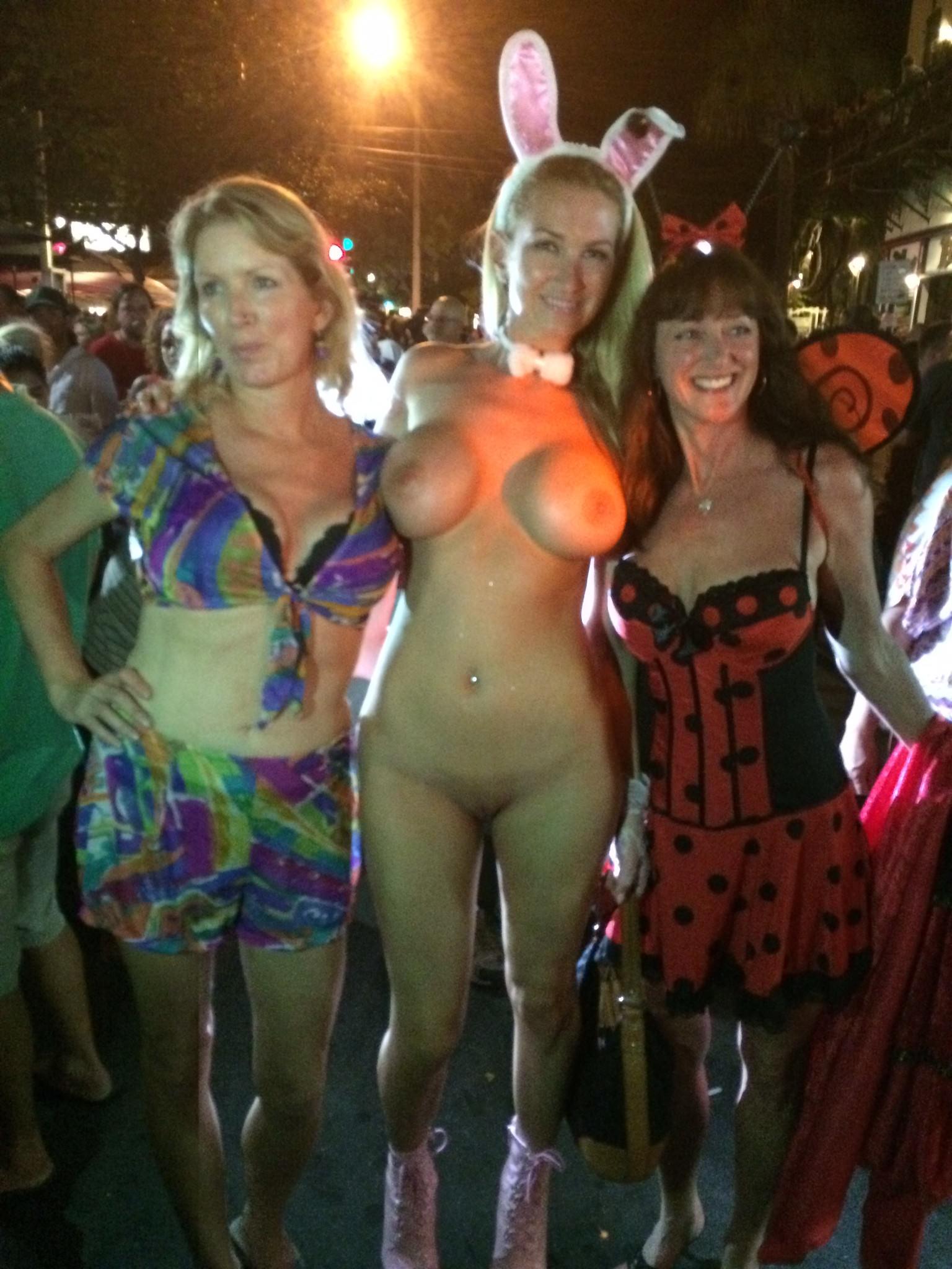 Teen halloween costumes slut
