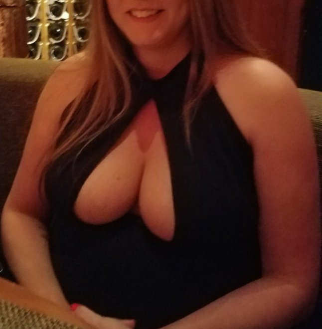 Cumshots between cleavage and clothing