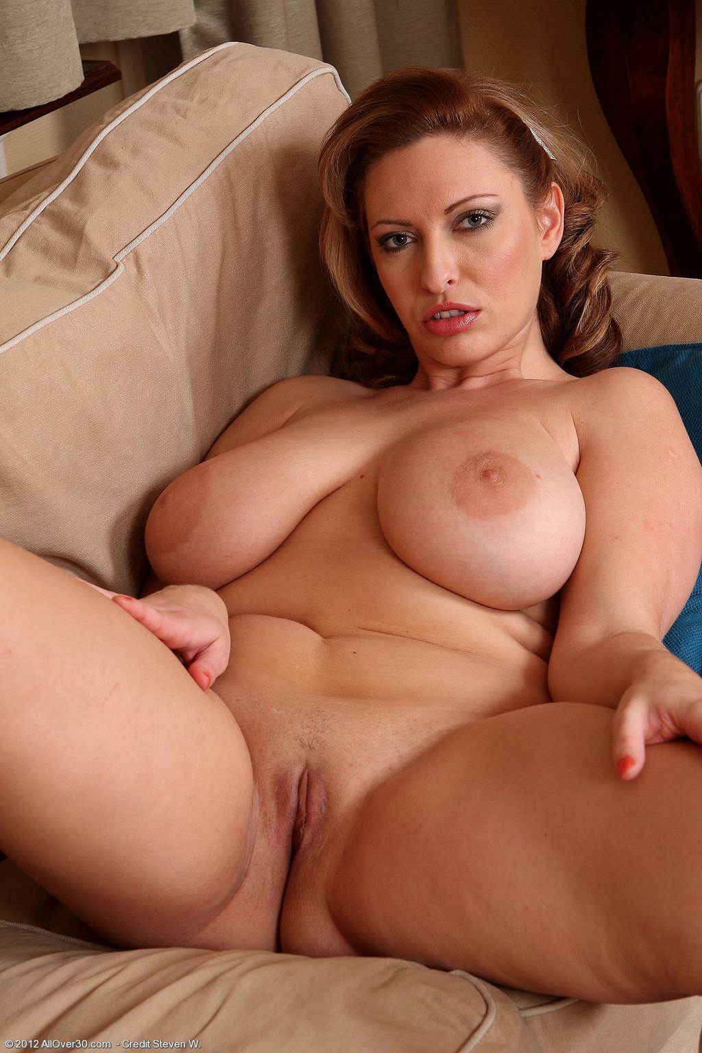 Big tit women pics