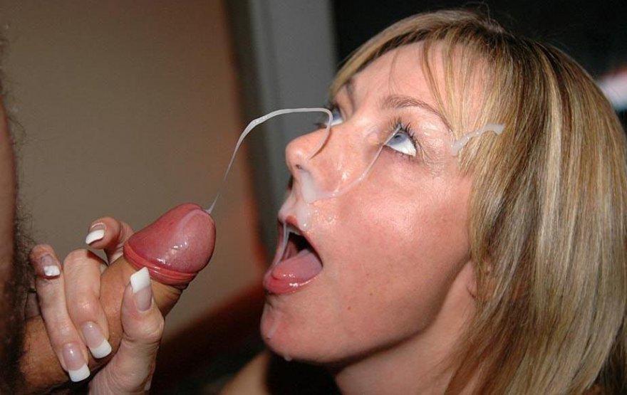 выстрелы спермы в рот женщине фото
