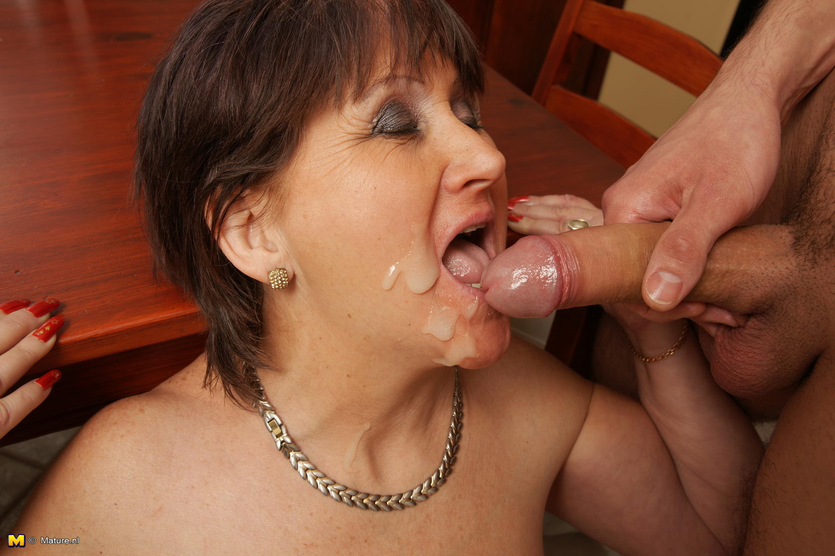 Mom cum in mouth