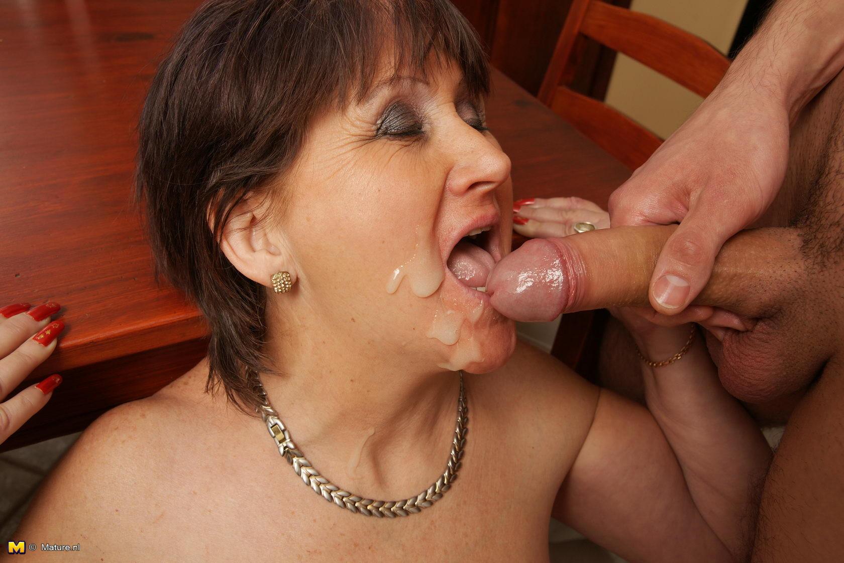 Mom cum in mouth