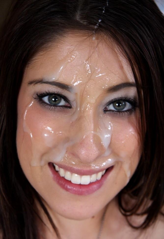 Huge facial for sexy santa girl