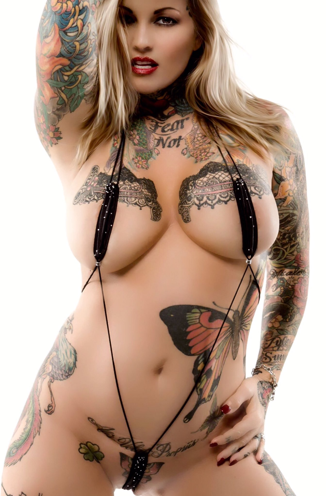 Heavily tattooed bitch only gets off to her vibrator and she is so hot