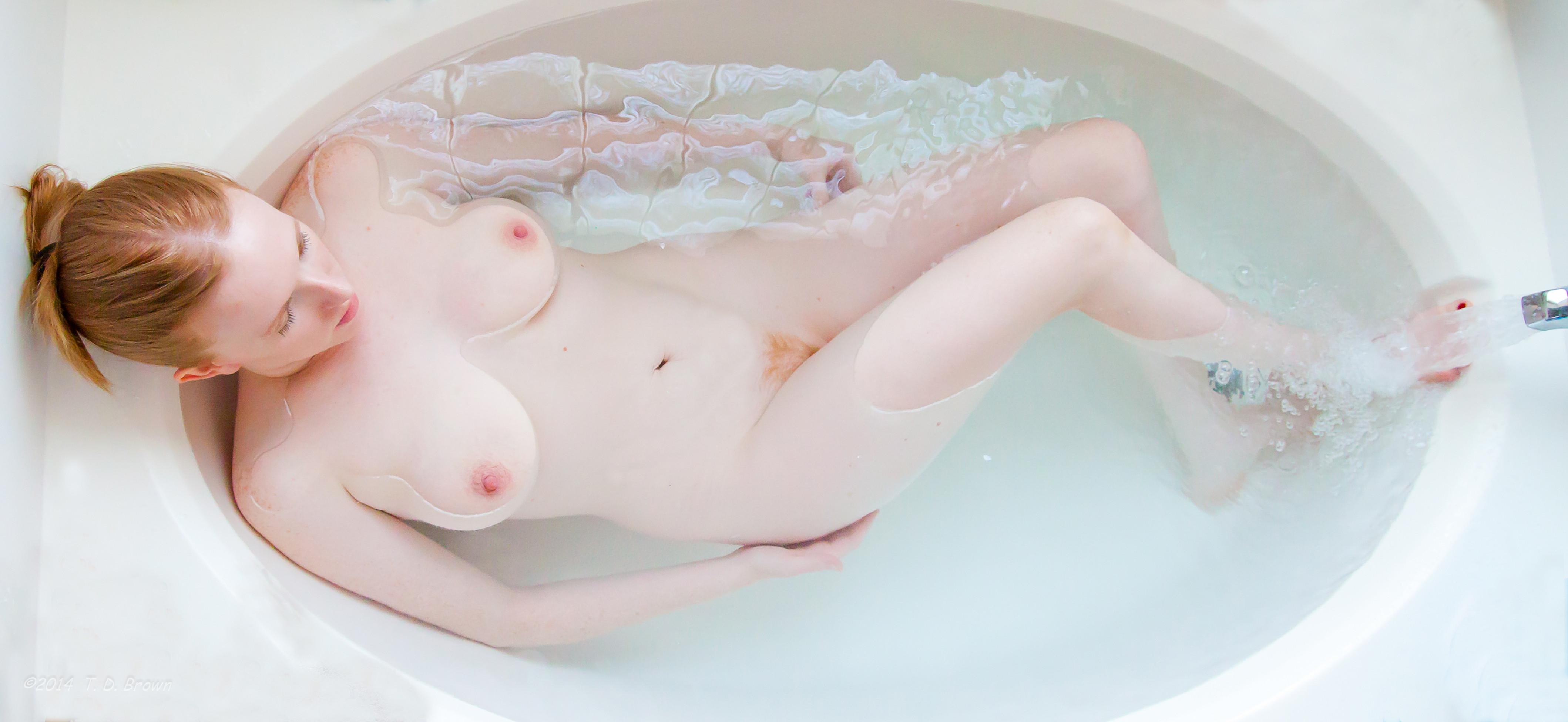 Sexy white girl naked bathroom