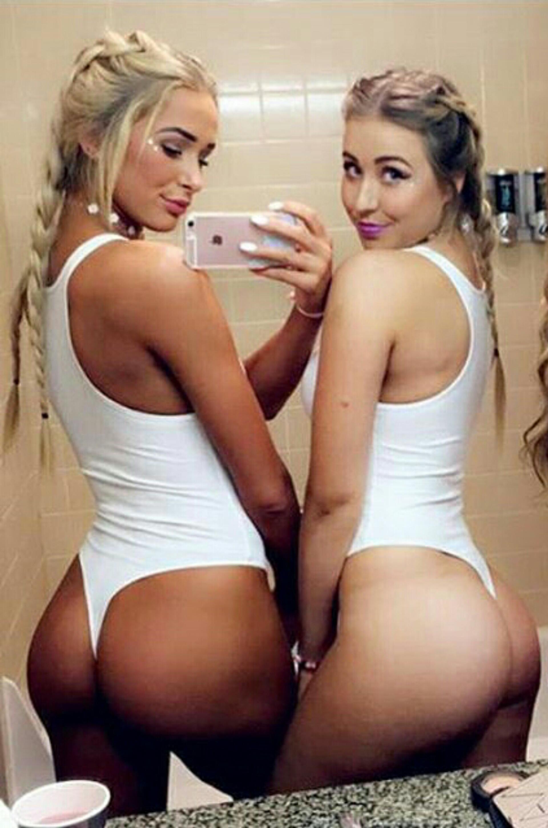 Smooth Buns Naked Girls