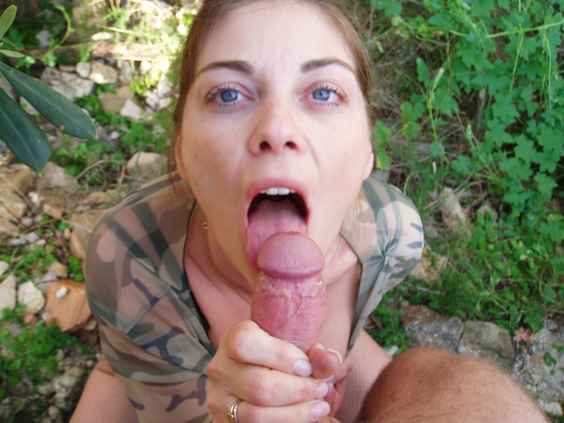 Outdoor blow job cum in mouth