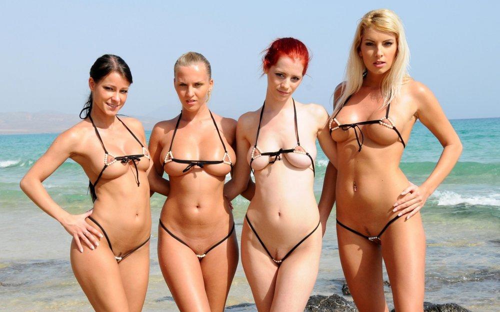 бикини голые фото