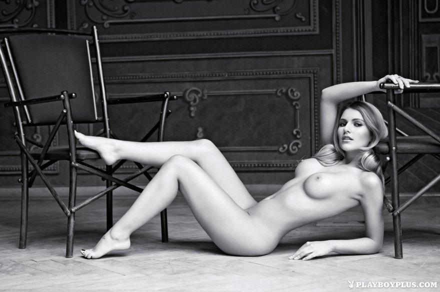 Vivien Playboy Amateur Forumphilia 1