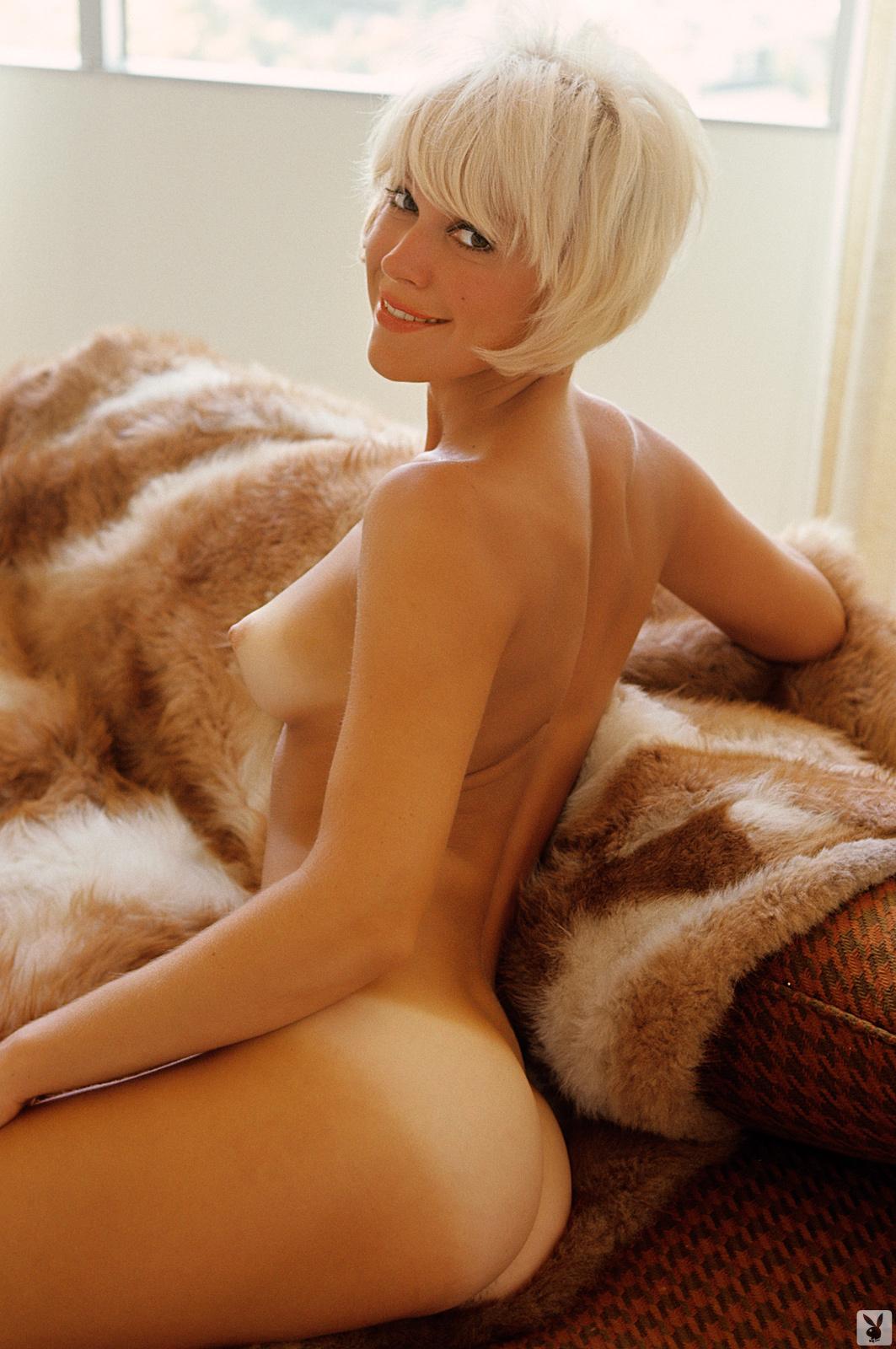 Nude blonde short hair Short Hair