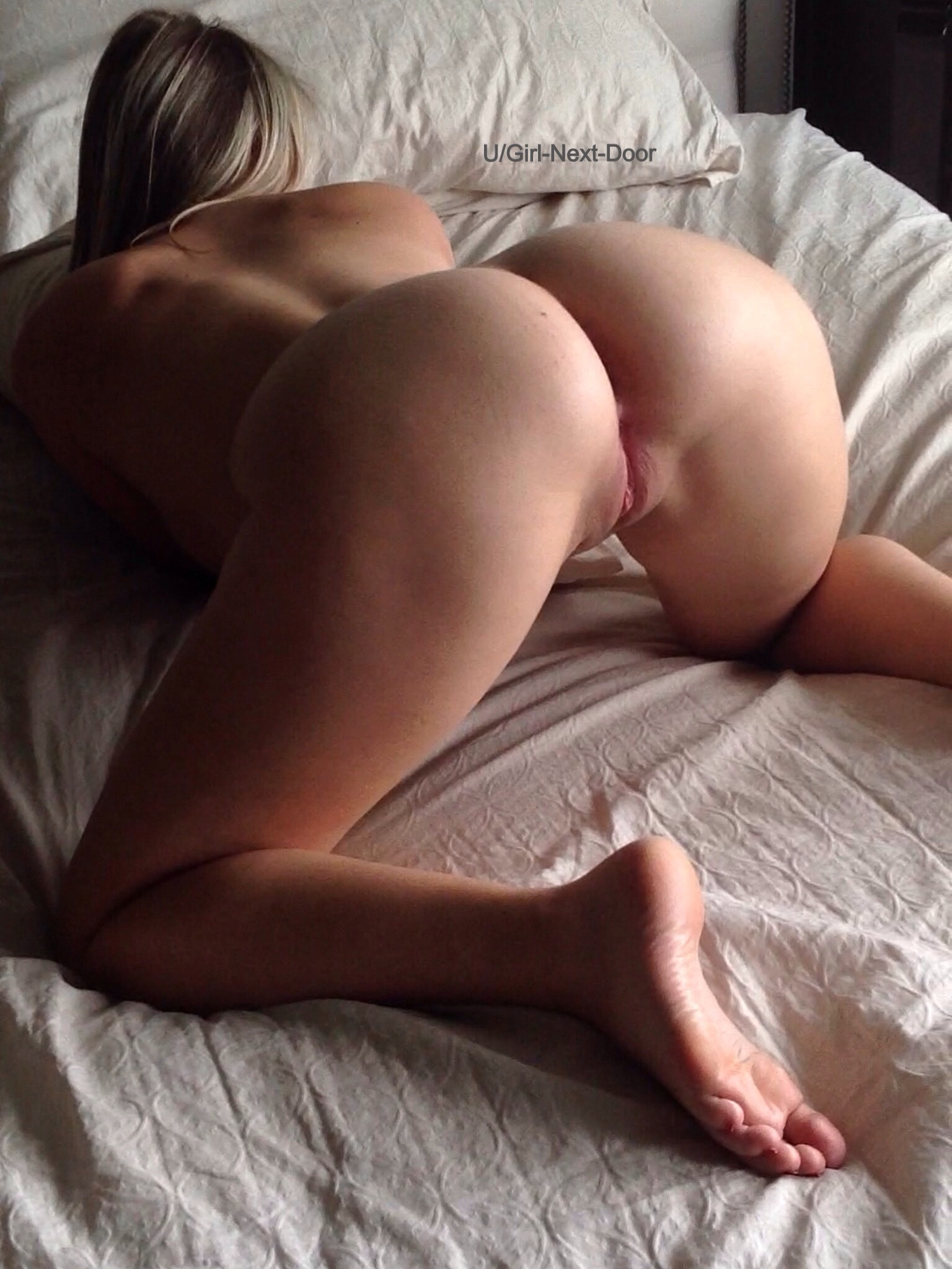 Nude girl face down ass up sex