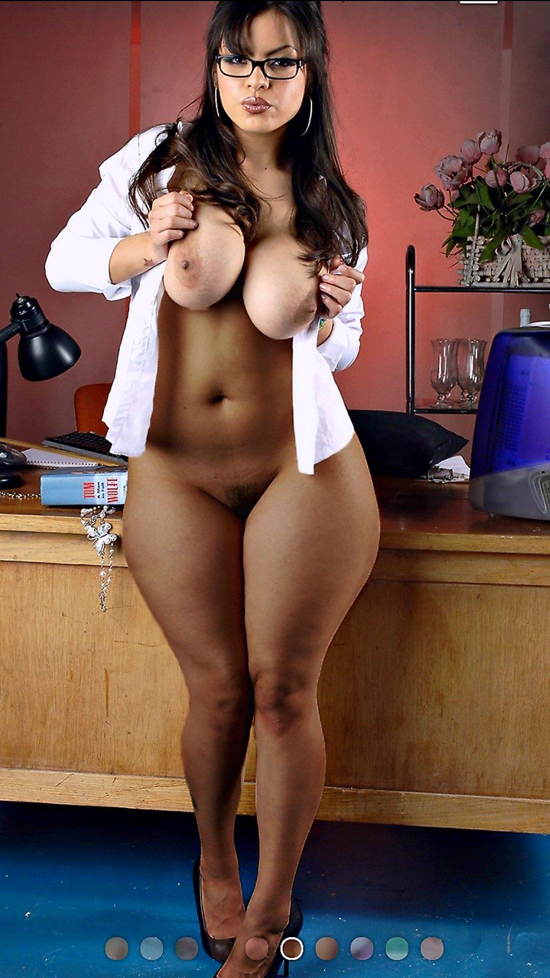 Skinny Waist Big Hips Nude Girls