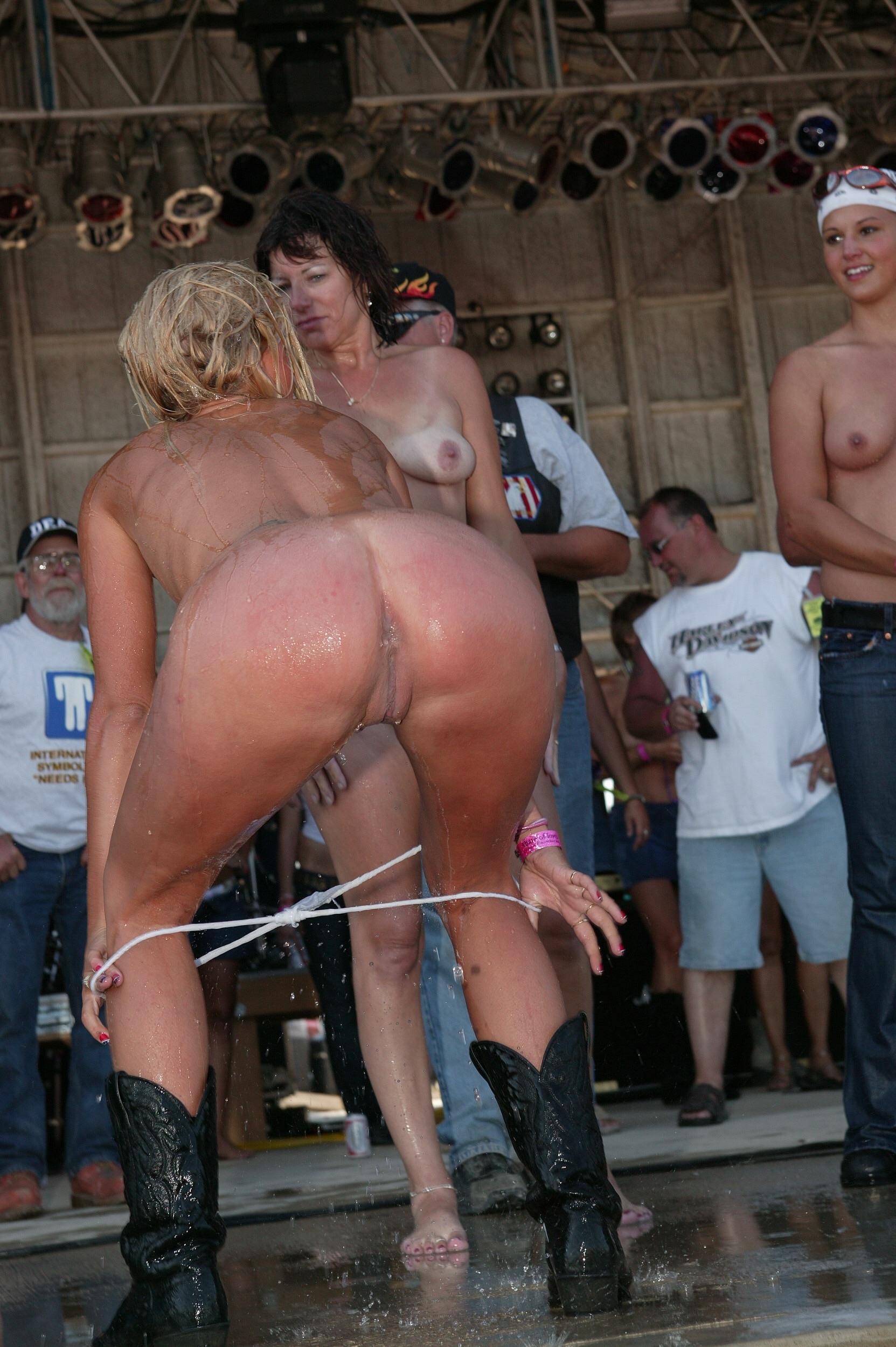 Sluts at festivals