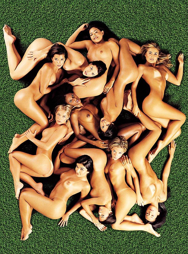 Naked soccer girls