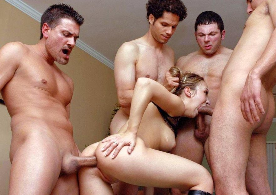 Sexy Girls And Sexyboys Groupfucking