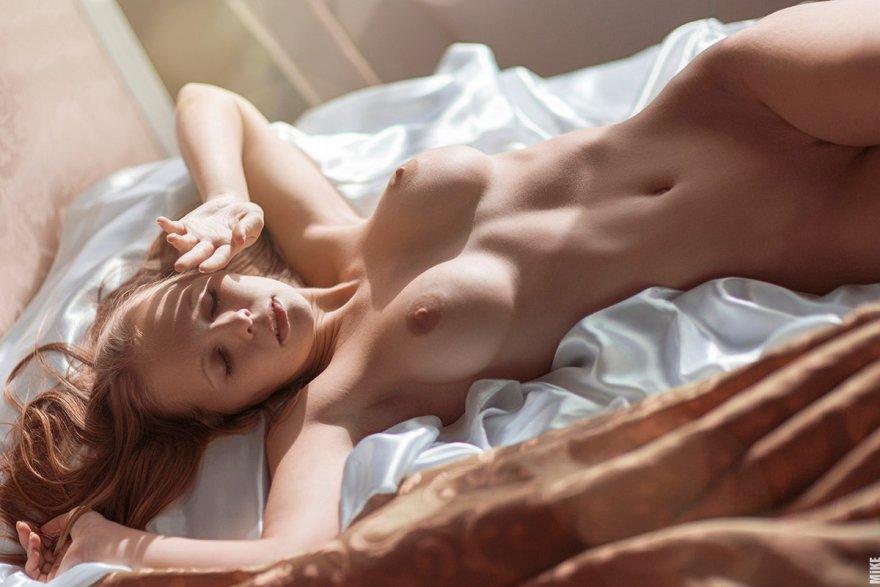 Полуобнаженная грудь порно — pic 6