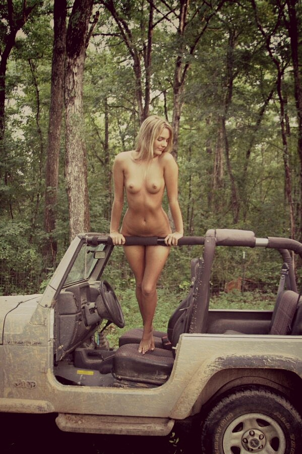 Naked jeep riding