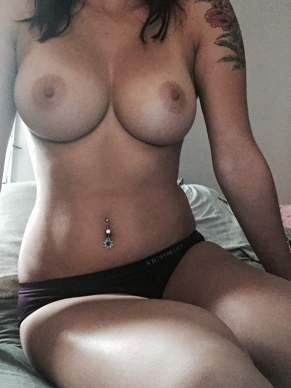 hot naked girls with belly button ring