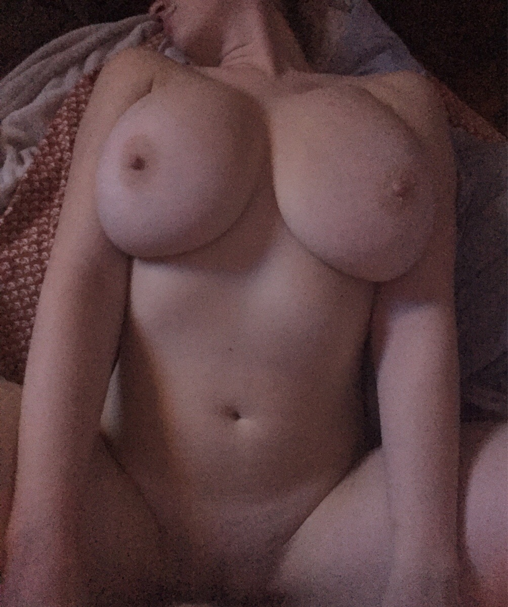Topless boobs bouncing