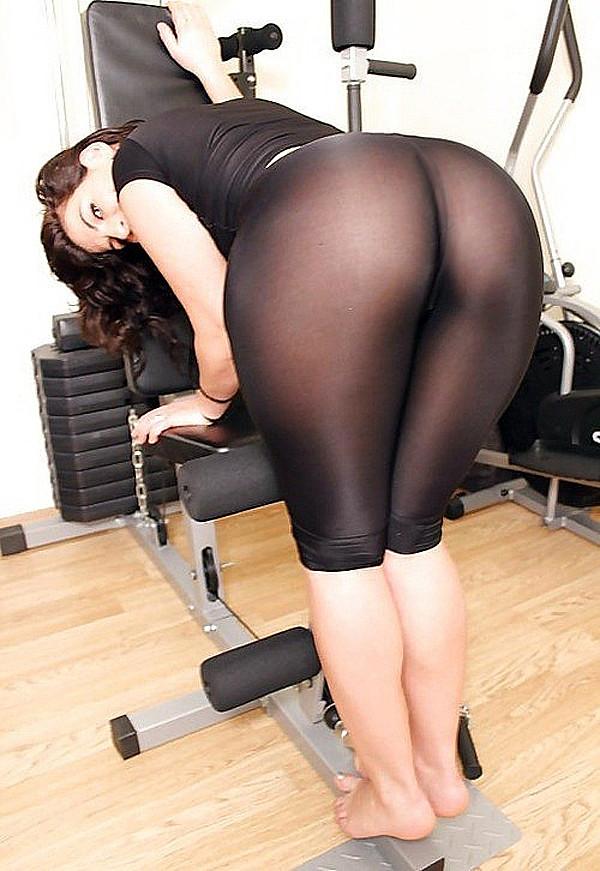 Sexy milf yoga pants stripper