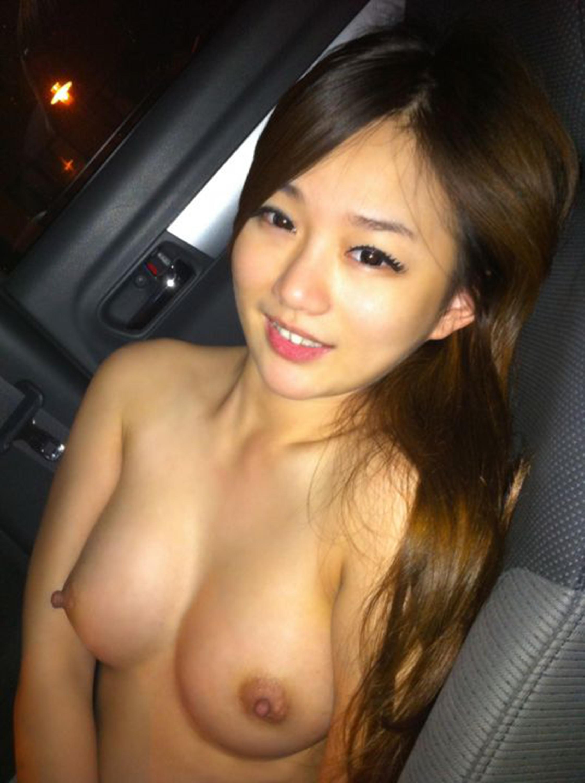 wild girl in car nude