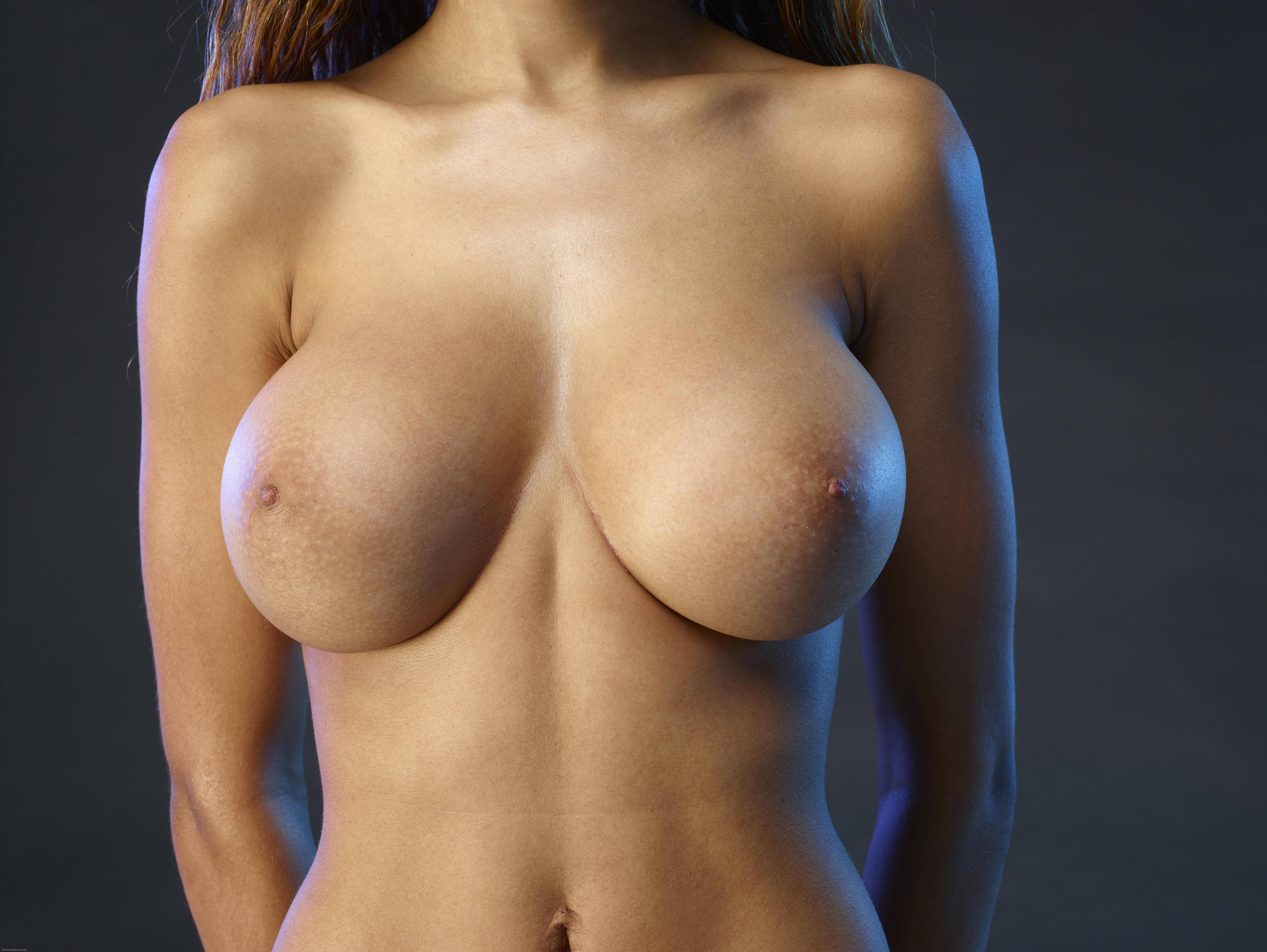 A Girl With Three Boobs Nude