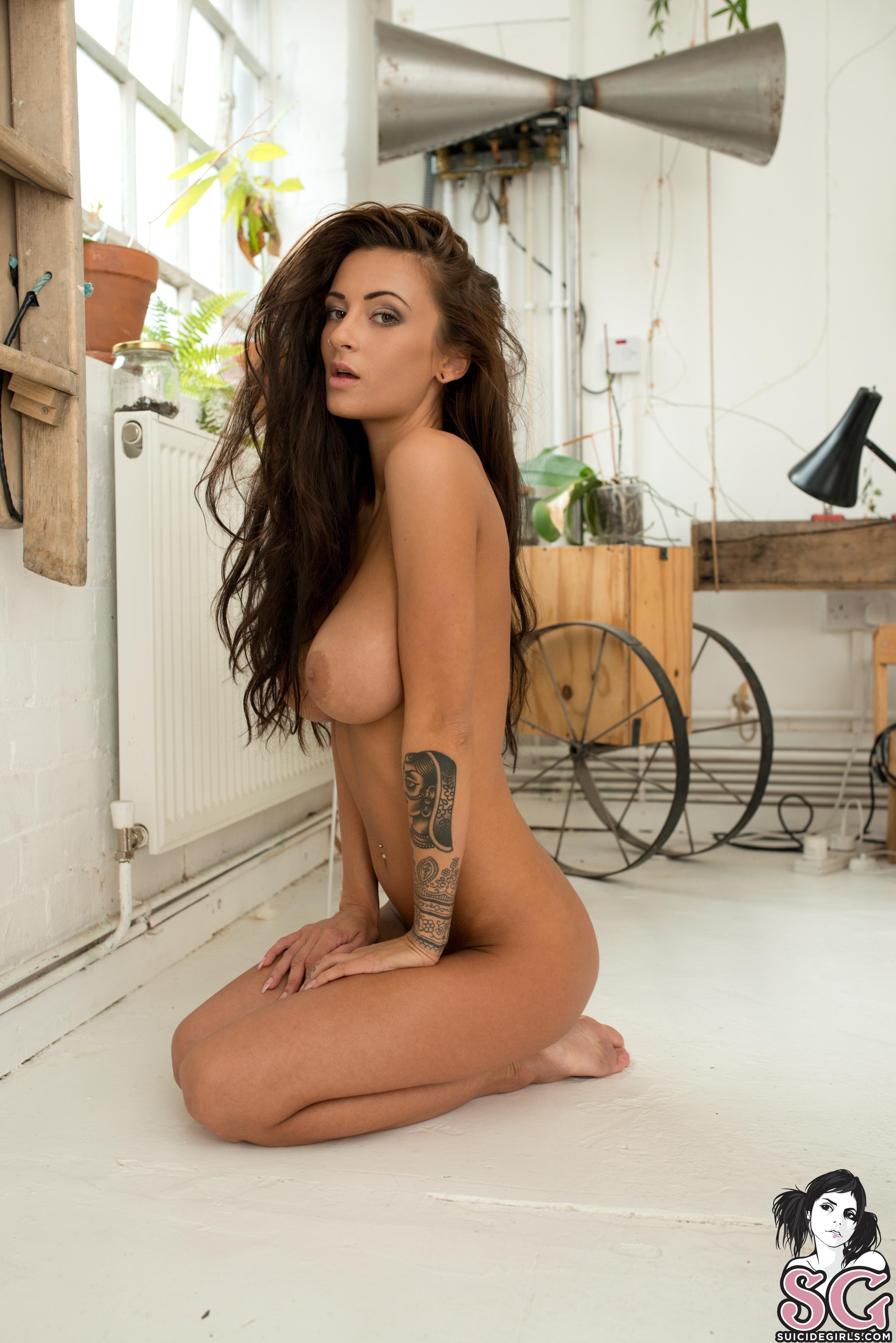 Laura giraudi topless