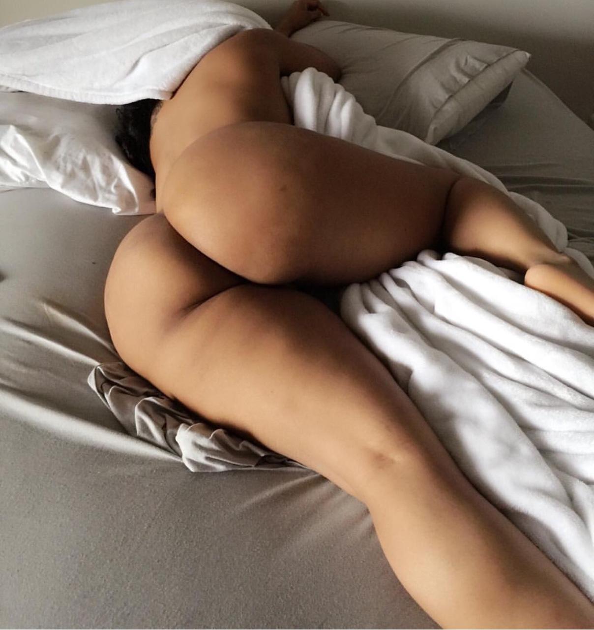 Thick Nude Woman Sleeping