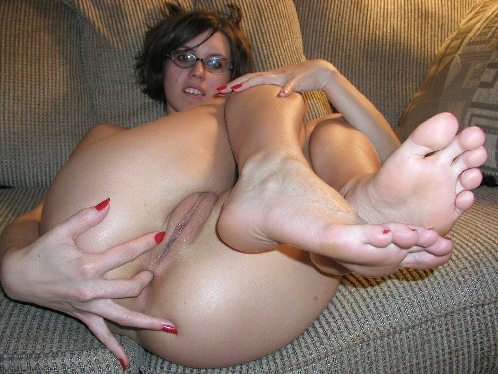 Amateur Lesbians Finger And Lick Their Anal Holes