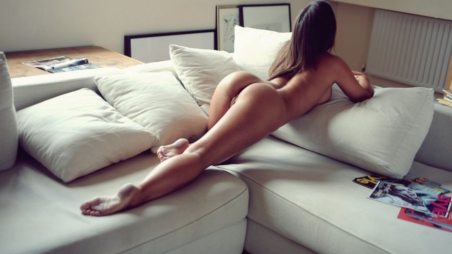 Ass Bed Brunette Ivory Solo Featuring Amelie Cliphunter 1