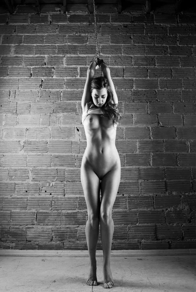 Nude body suspension