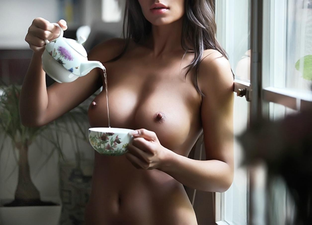 sexy-woman-drinking-coffee-nude-winslet-fucking