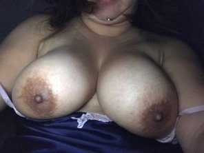 amateur photo She wants more comments