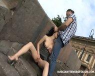 Уличная прелюдия и сумасшедший секс