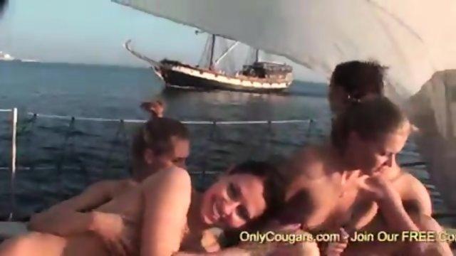 morskoe-priklyuchenie-porno