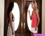 Cumshot scene features mature mom Simone Sonay doing handjob № 166700 без смс
