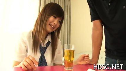 夏休みの制服女子高生がM字開脚で恥ずかしいピンク色まんこを開帳の学生系動画